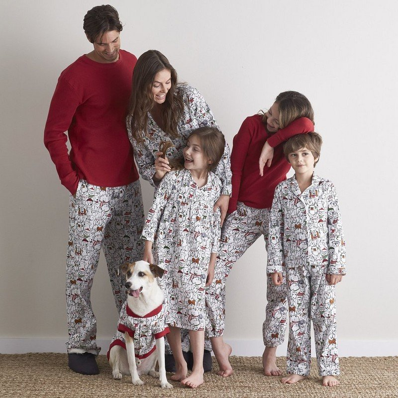 Matching family Halloween pajamas are just SO DARN CUTE! Whether they're a Halloween eve tradition, the outfit for some fun photos, or just a silly way to hang around the house, we have found so many ADORABLE designs from Pat Pat and what's even better is .