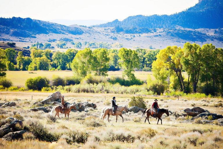 Brush Creek Ranch, Plan a Family Dude Ranch Vacation