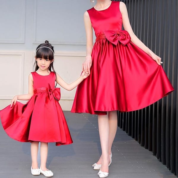 Mommy and Me Matching Sleeveless Red Bowknot Fancy Party Dresses