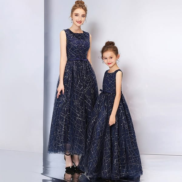 Mother Daughter Elegant Sleevless Sequin Bowknot Matching Fancy Party Dresses
