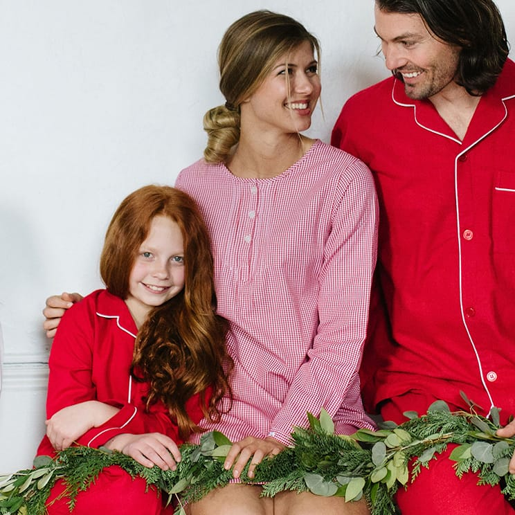 Family-Matching-Red-Flannel-with-White-Piping-Pajamas